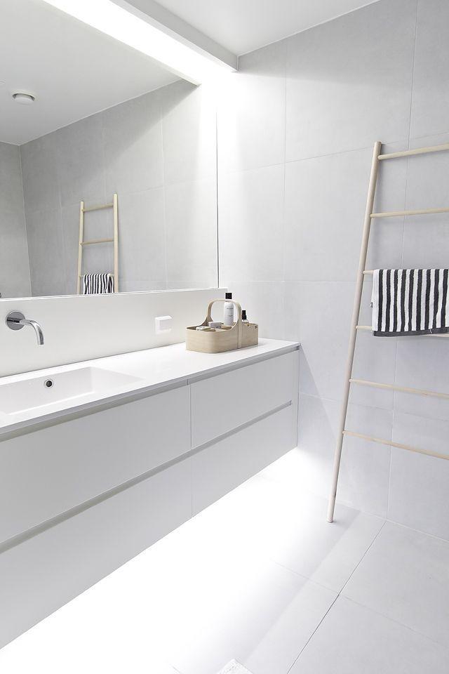40 Best Amazing Minimalist Bathroom Design Ideas For Your Bathing – Interior Design Ideas & Home Decorating Inspiration – moercar