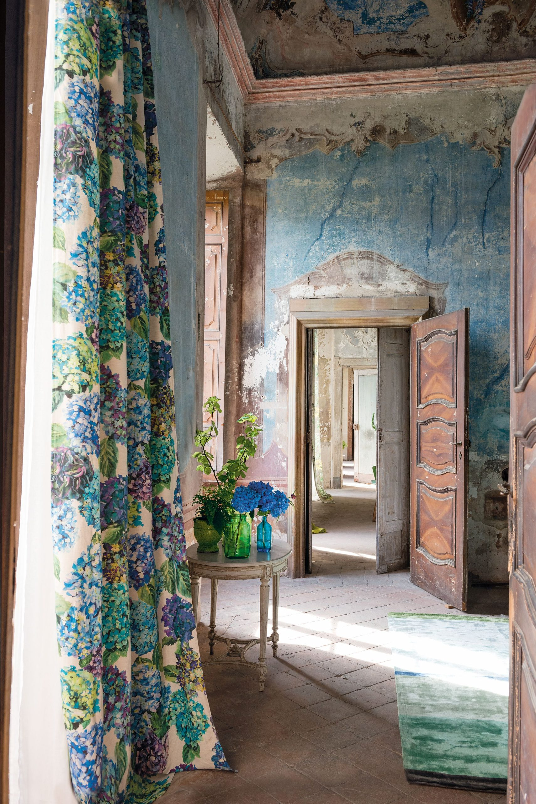Colours and designs that work with contemporary as well as traditional spaces.