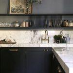 Custom Kitchen, Open Shelving, Marble #blueandwhite #marble #kitchendesign – #bl… - hangiulkeninmali.com/home