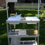DIY camp kitchen sink - The best DIY camp sink or camp kitchen idea. I have to m...
