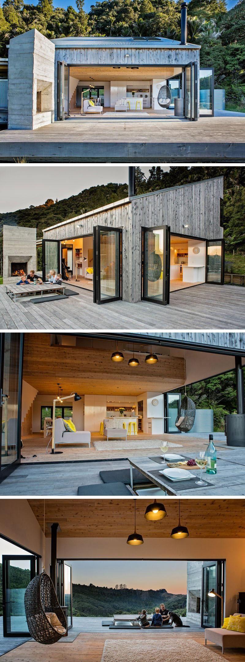Dieses moderne Haus hat versunkene Badewannen im Deck, während die Abdeckung f…