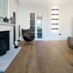 Dinesen HeartOak des planches uniques où les fissures sont bloquées par des joints en queue d'aronde de chêne ... - Wood Design