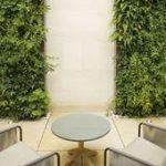 Eine #lebende # Wand #dramatisch #vertikal - Garden Terrace Idees   - Jardin Ver...