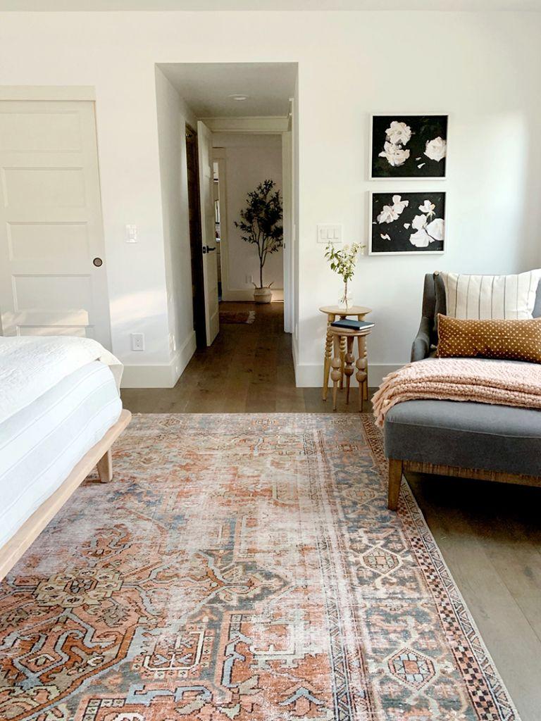 Juniper Home Master bedroom rug: Loloi LQ-15 Loren Collection Vintage Printed Pe…