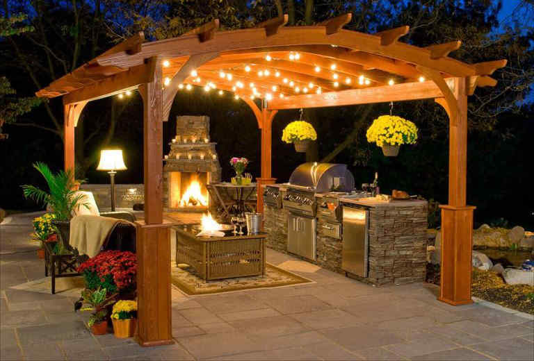 Outdoor Kitchen Ideas for Better Backyard Living with Natural Sto