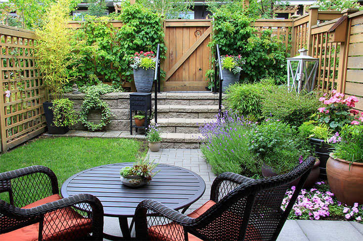 Backyard Makeover for Under $1,000 | Garbrella Pergol