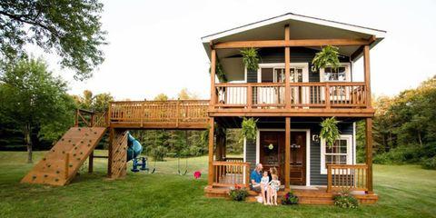Michigan Dad Built His Daughters the Most Incredible Backyard .