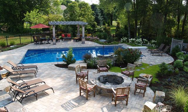 Design the Backyard Pool of Your Dreams « Northwest Quarter