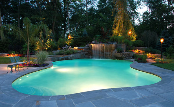 15 Amazing Backyard Pool Ideas   Home Design Lov