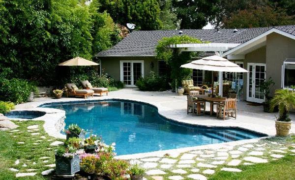 14 Amazing Backyard Pool Ideas – Garden Serv