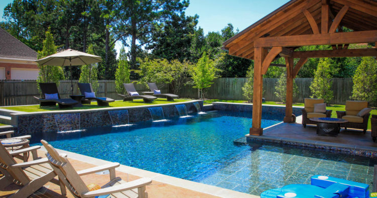 20 Backyard Pool Ideas for the Wealthy Homeown