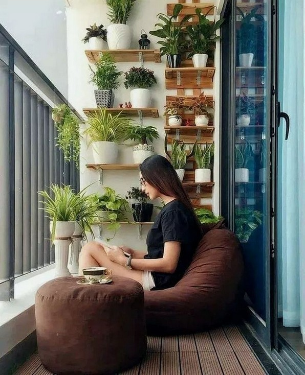 20+ Cool and Cozy Small Balcony Design Ideas #SmallBalcony .