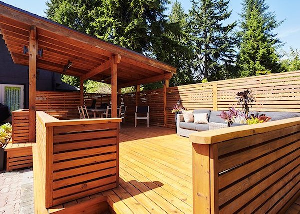 Cedar Vs. Composite Decking: Which One Should You Choose? - Real Ced