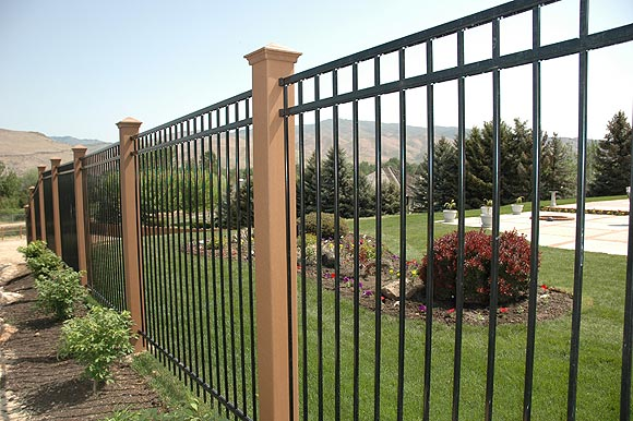 Vinyl & Composite Fencing - Viking Fence Dall