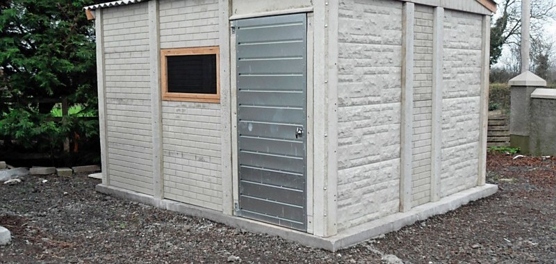 Shed Friday: Concrete Shed Asbest