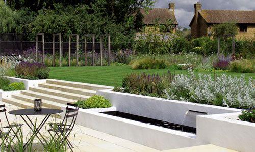 Barn Conversion Contemporary Family #Garden. By London garden .