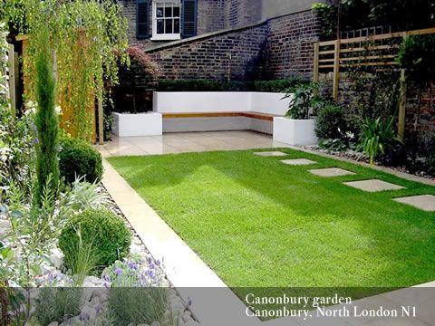 Small garden designs. Like the seating idea in the corner. (Patio .