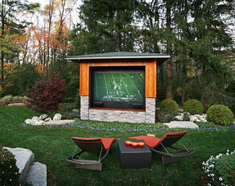 10 Awesome Backyard Man Cave Ide