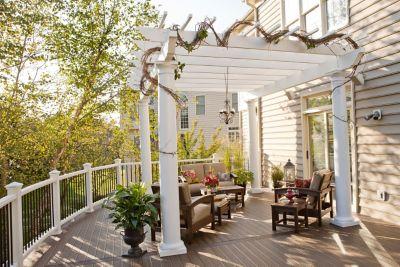 Deck Furniture, Pergolas and Outdoor Kitchens | Tr