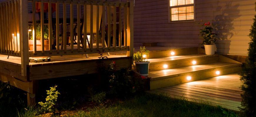 15 of The Best Solar Deck Lighting Ide