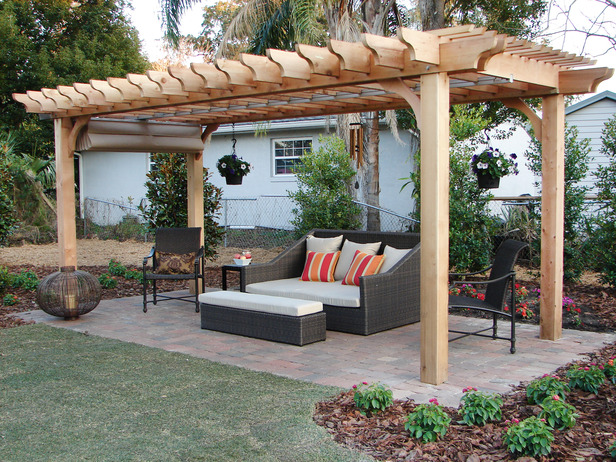 DIY Pergola – Just What Your Patio has been Missing | Runyon .