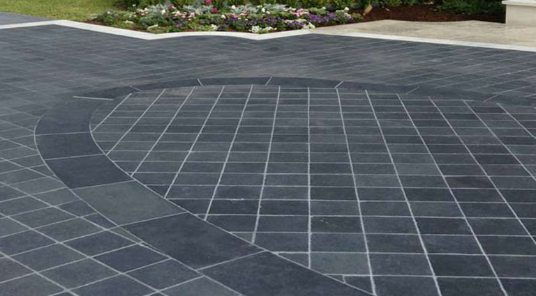 Driveway Pavers – Antique Black Saw Cut - Arroyo Building Materia