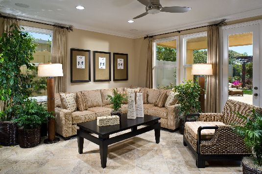 Tips To Decorate Small Family Room – HomeDecoMaste