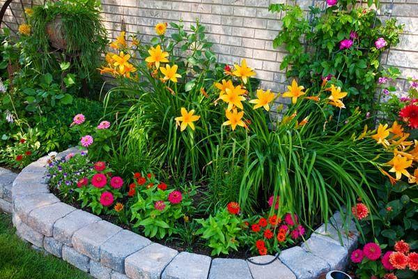 15 Impressive Small Flower Garden Ideas | Small flower gardens .