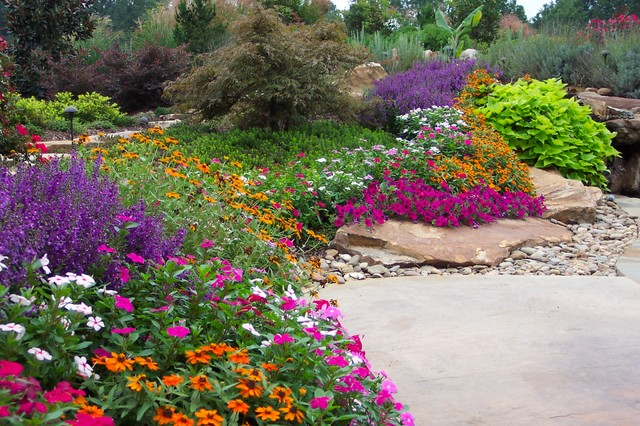Flower Gardens in the South - Traditional - Landscape - Atlanta .