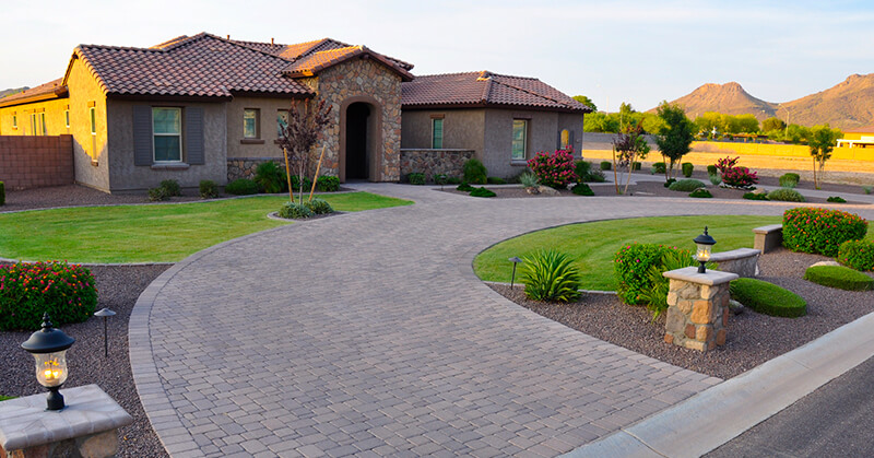 7 Front Yard Landscaping Ideas [Transform Your Propert