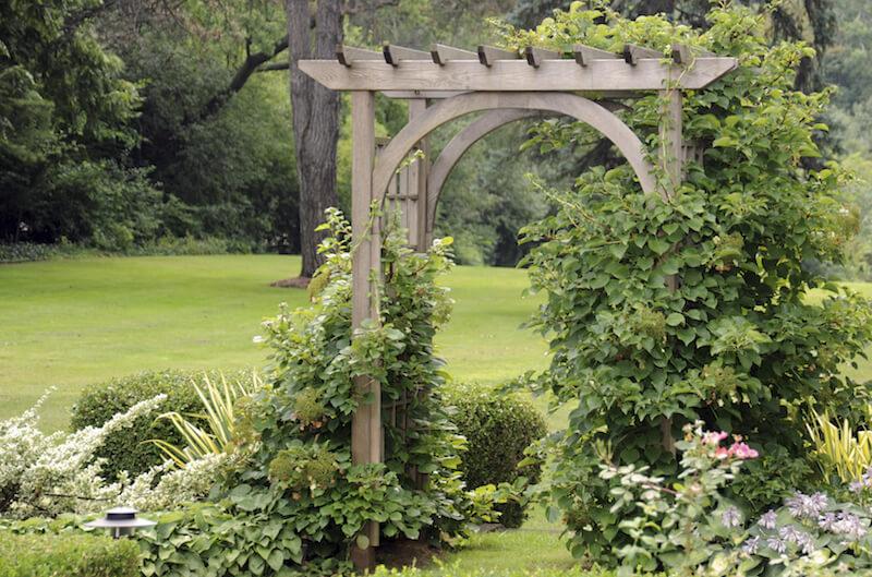 31 Backyard Arbor Designs and Ide