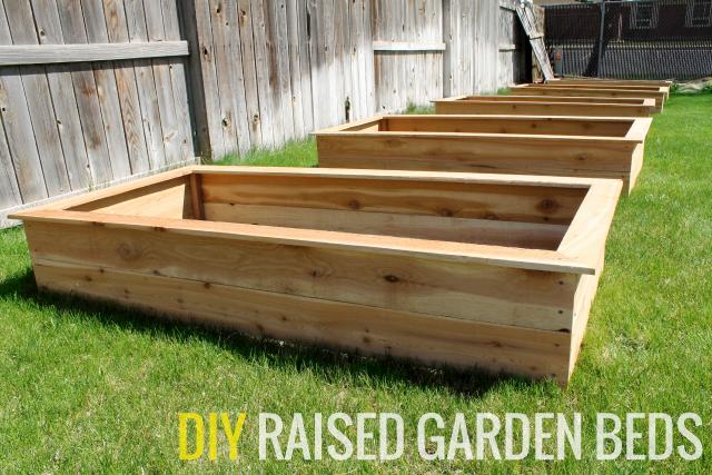 Our DIY Raised Garden Beds - Chris Loves Jul