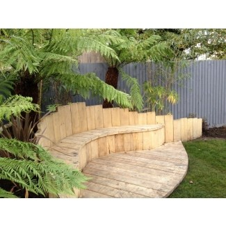Curved Garden Benches - Ideas on Fot