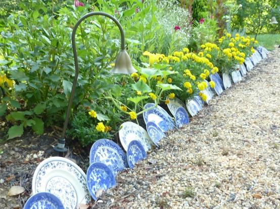 9 Creative Ideas for DIY Garden Borde