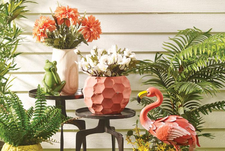 12 Garden Decor Ideas to Create Your Own Slice of Paradi