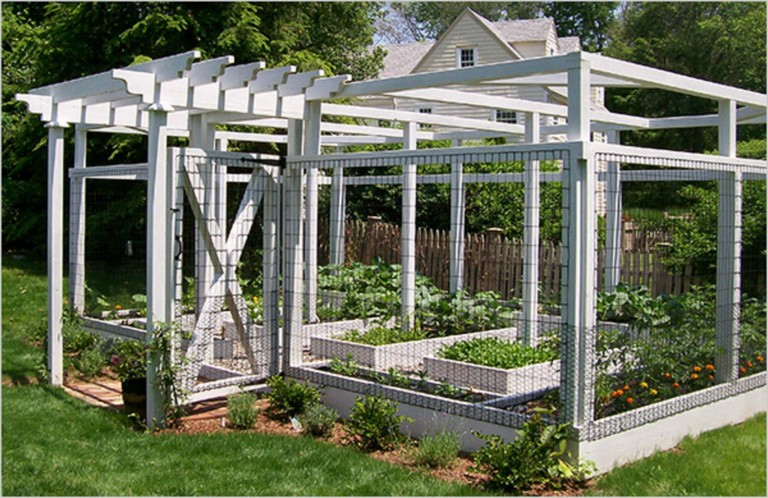 20+ Amazing Vegetable Garden Fence Ideas - Page 5 of