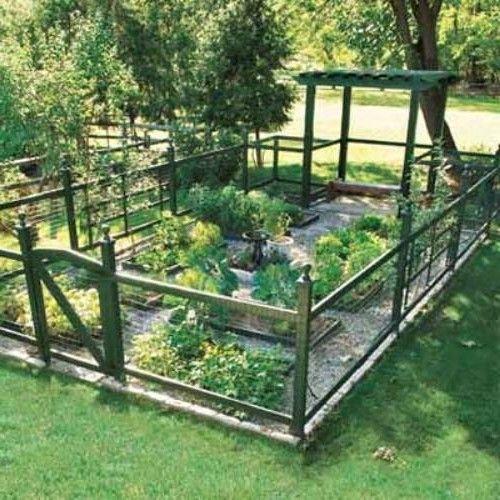 25+ Ideas for Decorating your Garden Fence (DIY) | Diy garden .