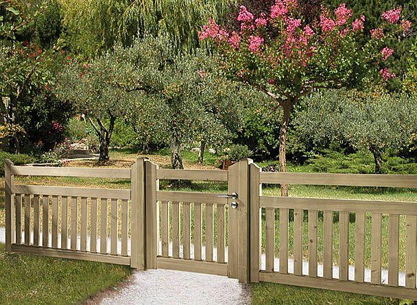 Low-level fences – Front garden fences, picket fences, gates .