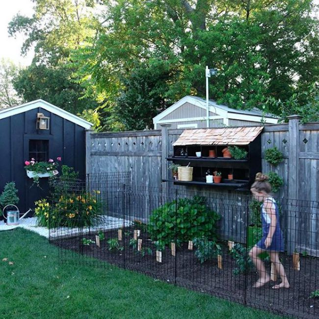 17 Beautiful Garden Fence Ide