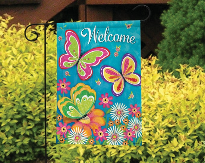 Garden Flags, Yard Flags, Seasonal Flags and Outdoor Decoratio
