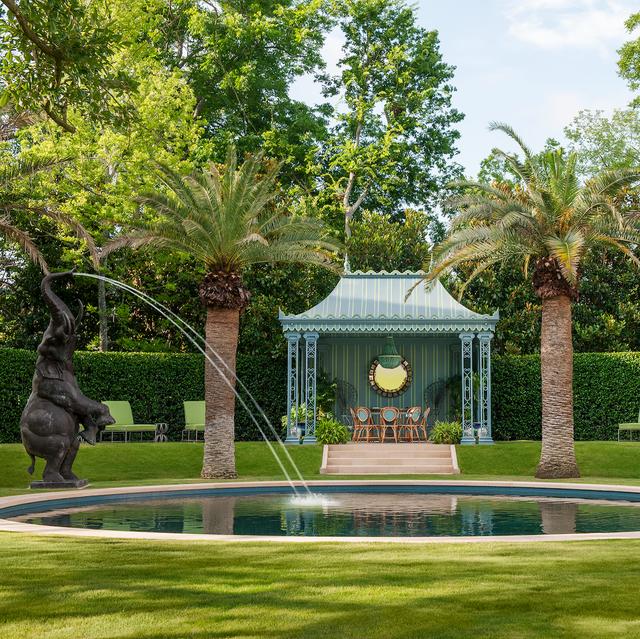 20 Best Outdoor Fountains – Luxury Garden Fountain Ide