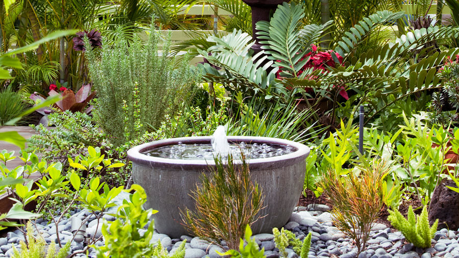 10 Soothing DIY Garden Fountains | The Garden Glo