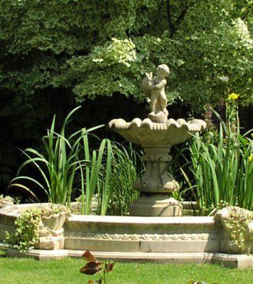 Cast Stone Garden Water Features | Haddonstone U