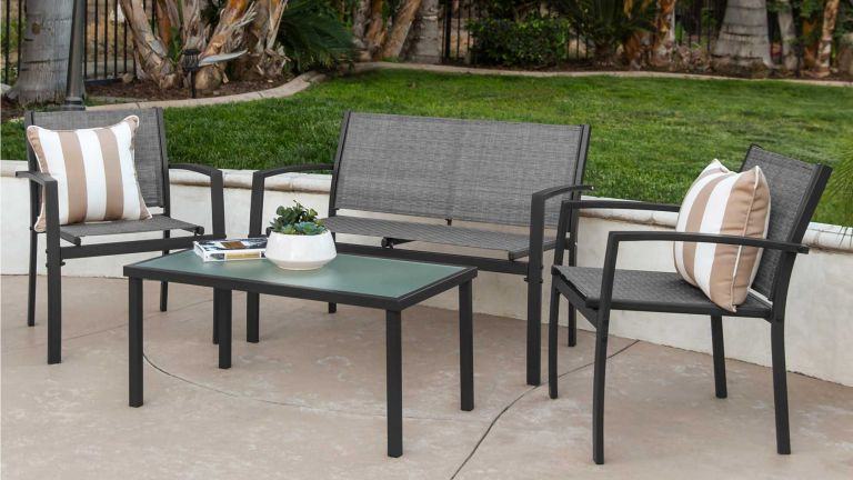 This garden furniture set is under $145 at Walmart...bring on the .