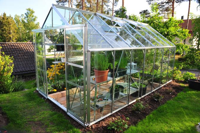 How Does a Greenhouse Work? | LoveToKn