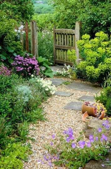 29 Stunning Front Yard Cottage Garden Inspiration Ideas | Small .