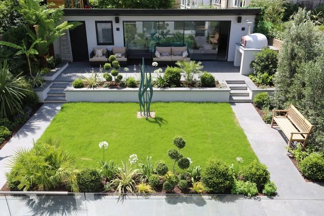Contemporary garden landscaping in Richmond - Modern - Landscape .