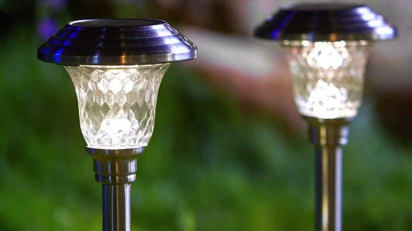 Top 10 Best Solar Garden Lights in 2020   Outdoor Solar Ligh