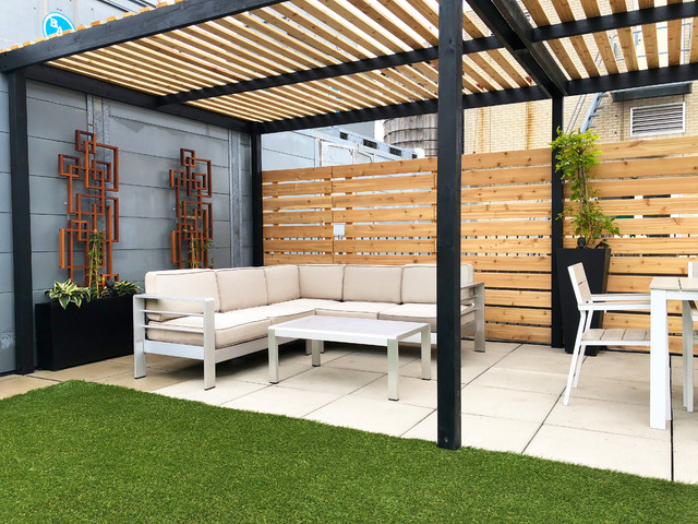Chelsea Contemporary Roof Garden with Pergola and Lattices .