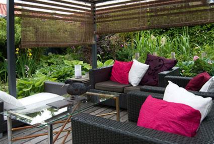 How to Create Garden Rooms | LoveToKn